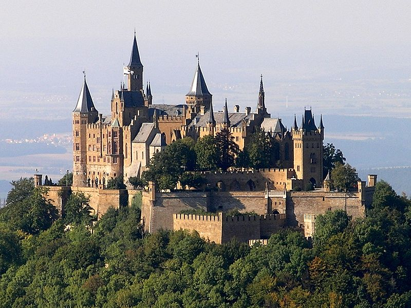 hohenzollern_castle_in_germany-zamok_goggencollern